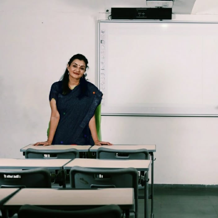 A classroom is a place where dreams dwell... Teachers dream of creating responsible, value based, future ready citizens.. The students dream of a successful life ahead...Your classroom missed you.. Welcome back Kalorexians!! #schoolreopening  #manjulapoojashroff #MPS #Shroffism https://t.co/P4HP51NHC2