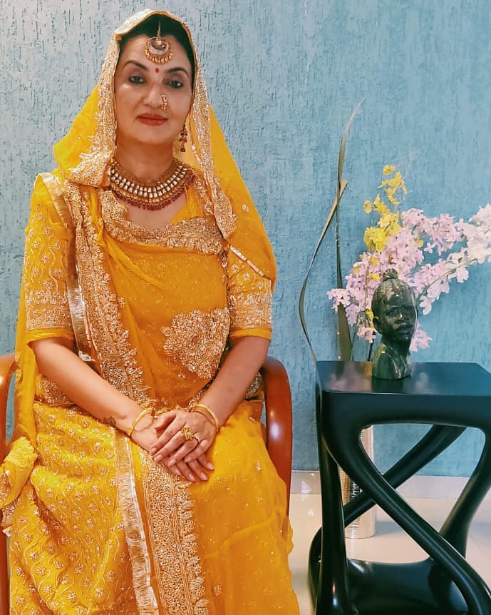 In a throwback Rajasthani haldi-shade of poshak here, traditional jewellery in place, I am reminded of pre-covid lavish weddings but I also applaud the close-circuit presence due to the pandemic. Thankfully, crowd or without, our tradition will never fail. #rajasthanisari #MPS https://t.co/ajOf4gLBxD
