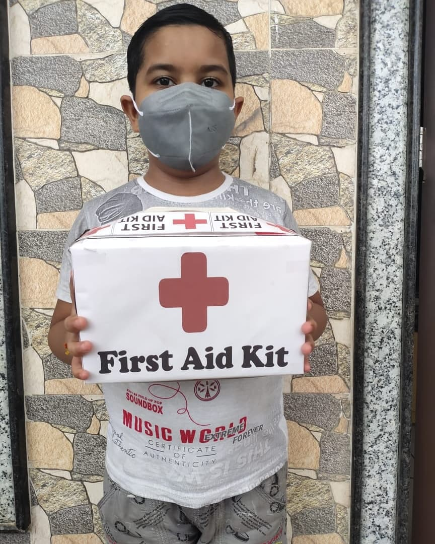 NCPS Bharuch students learning preparation of First aid kits. It's important for our children to familiarise with the content and usage of a first aid kit.   #NCPS #cps #firstaid #selfcare #nopanic #injury #TreatYourself #students #teachers #education #learning #kalorex  #MPS https://t.co/a2Ly8Cwk0A
